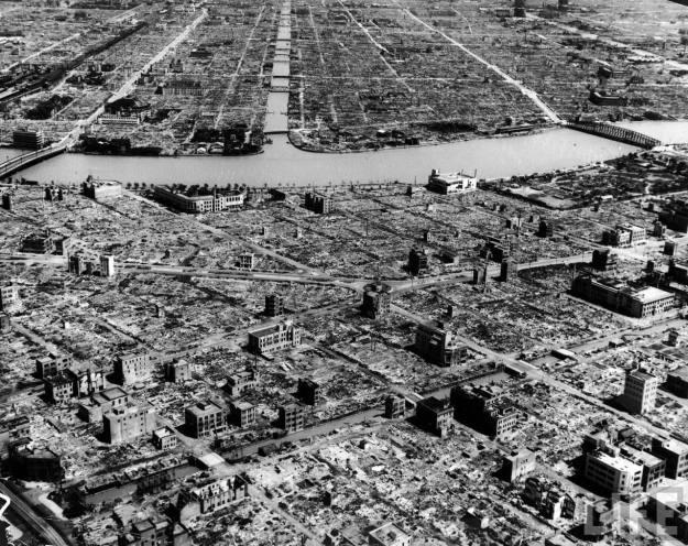 America hist_us_20_ww2_hiroshima_aerial_buildings_river