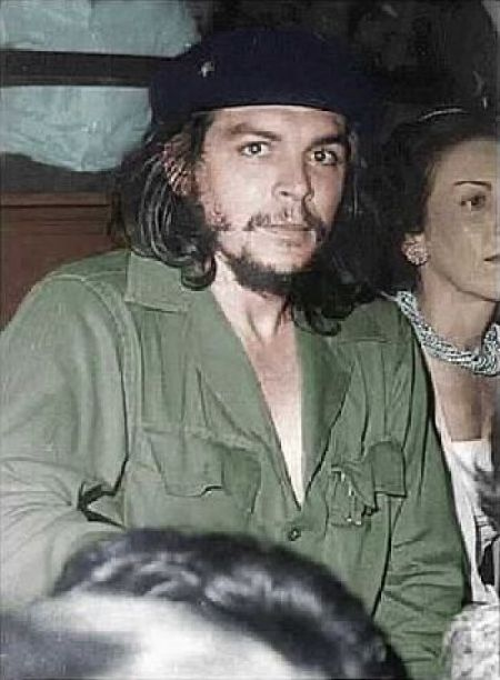Che_Guevara_June_2,_1959 a few months after the revolution