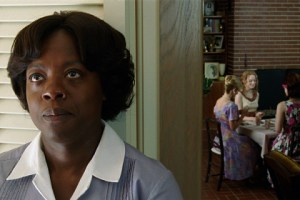 """THE HELP"" TH-237 Aibileen ClarkÍs (Academy Award¬ nominee Viola Davis, left) face registers her concern when she overhears an outrageous proposal made by Hilly Holbrook (Bryce Dallas Howard, second from right), to her girlfriends (clockwise from left) Elizabeth Leefolt (Ahna OÍReilly), Skeeter Phelan (Emma Stone), and Jolene French (Anna Camp), in DreamWorks PicturesÍ inspiring drama, ñThe Help,î based on the New York Times best-selling novel by Kathryn Stockett. ñThe Helpî is written for the screen and directed by Tate Taylor, with Brunson Green, Chris Columbus and Michael Barnathan producing. ©DreamWorks II Distribution Co., LLC. æAll Rights Reserved."