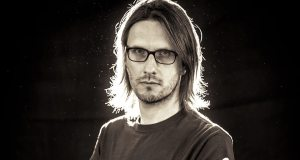 "Steven Wilson announces new album and releases single ""Pariah"""