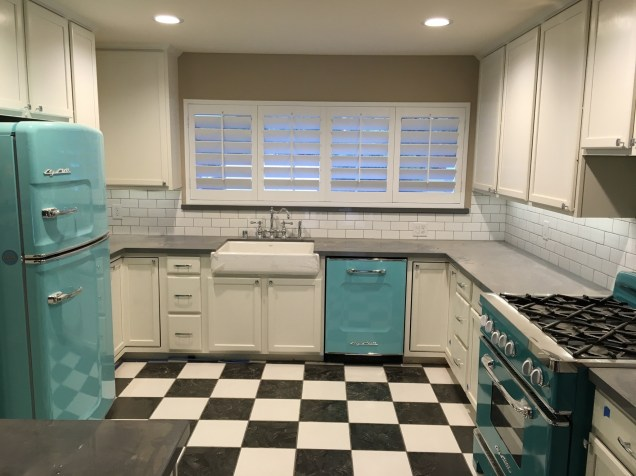 shutters turquois kitchen