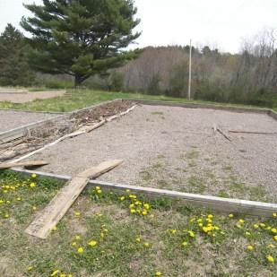 A ramp for the wheelbarrow