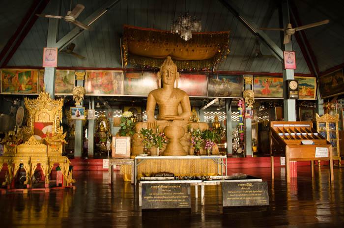 Buddha statue, Mae Hong Song