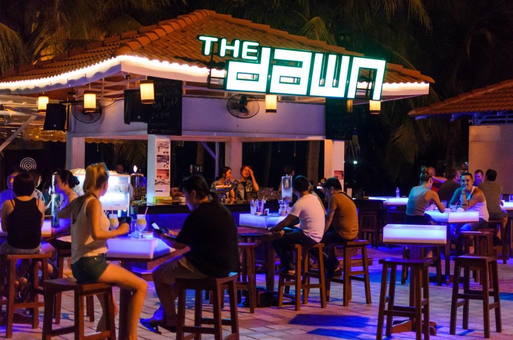 da-nang-nightlife-the-dawn