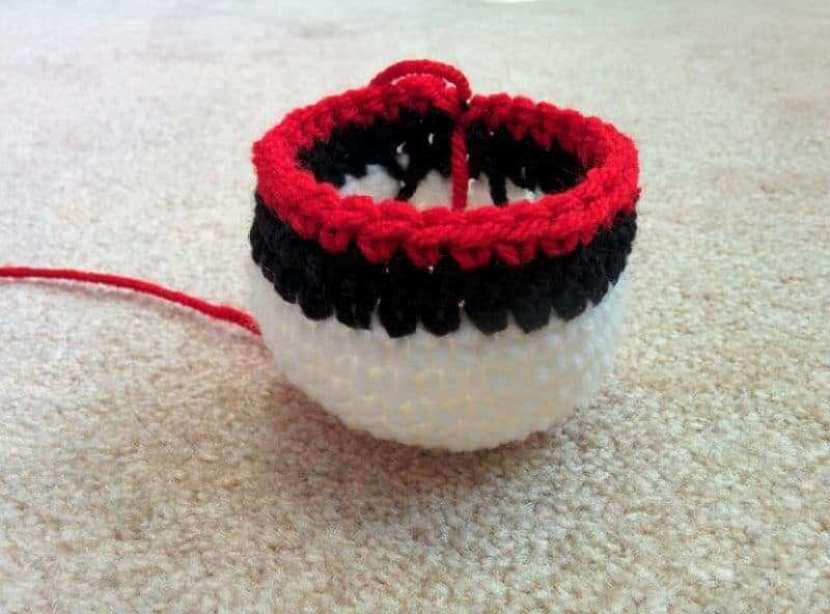 How To Make A Crochet Ball Pokeball Pattern