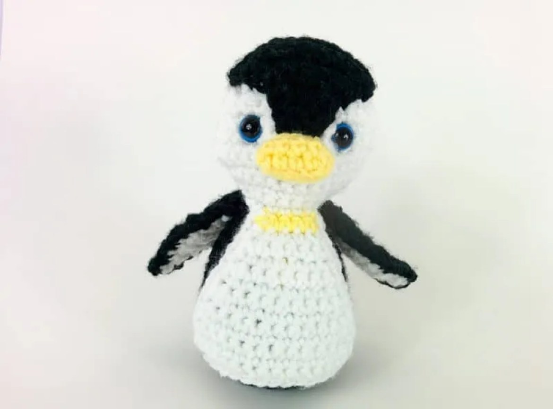Free Amigurumi Leprechaun Pattern : Penelope the penguin: free penguin crochet pattern