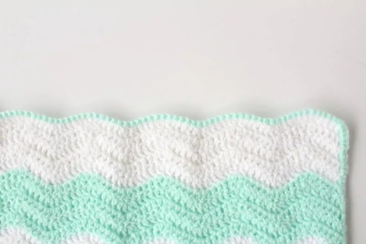 Summer Waves Baby Blanket: Lightweight Ripple Crochet Pattern |