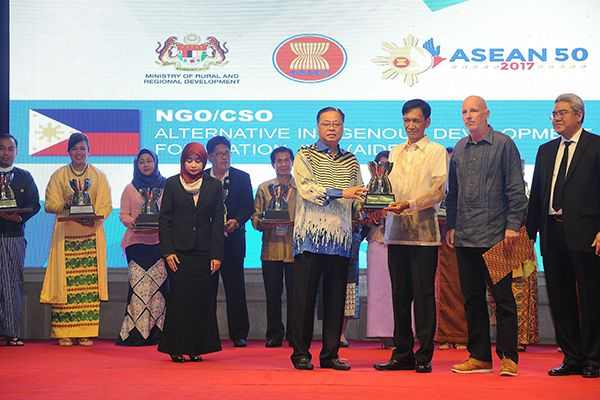 AIDFI Bags 3rd ASEAN Leadership Award On Rural Development And Poverty Education