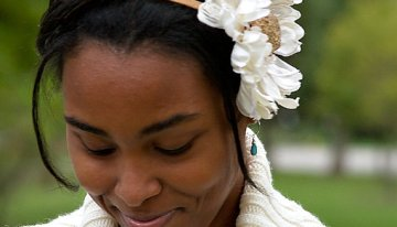 Flowers From Fatima – Flower Hair Clips and Accessories for All Occasions