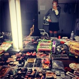 mollieking-thesaturdays-makeup-la-shoot-beautyhaul-thebobbypen