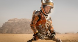 "Matt Damon Stars in Stranded Astronaut Tale ""The Martian"" [REVIEW]"