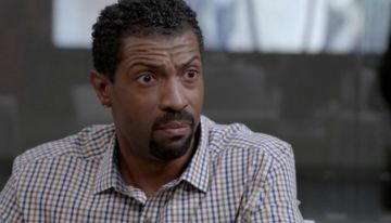 "WATCH Deon Cole on Yara Shahidi Spin-Off ""College-ish""  [VIDEO]"