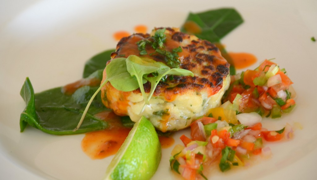 Fish cakes with tomato pepper relish