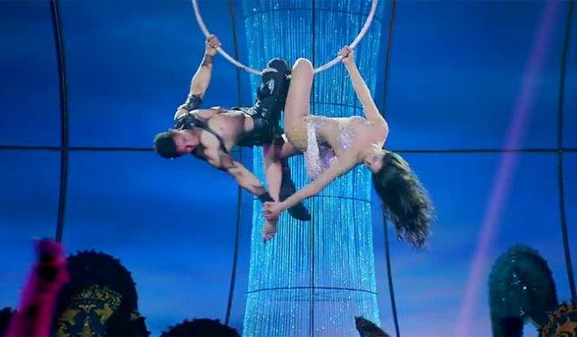 Dhoom 3: Aamir & Katrina's breathtaking aerial act in 'Malang' song promo!