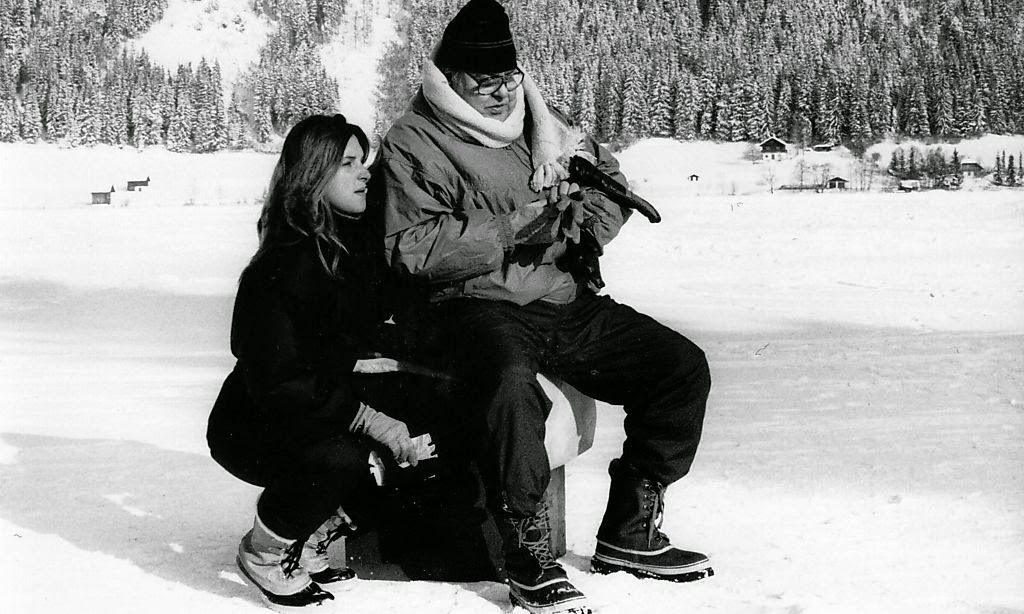 Bond producer Albert R. Broccoli with his daughter Barbara during a filming break at Weißensee / Photo © Rie-Press