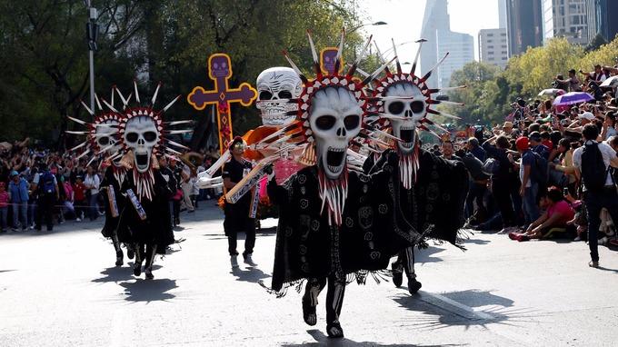 Déjà-vu: Mexico City stages Day of the Dead Parade