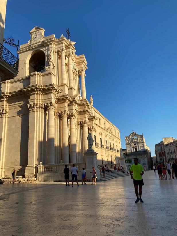 Sicilia. Sguardo su una terra arcaica, difficile e affascinante