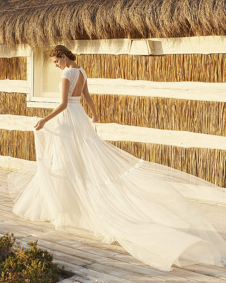 how long does it take to order a wedding dress?