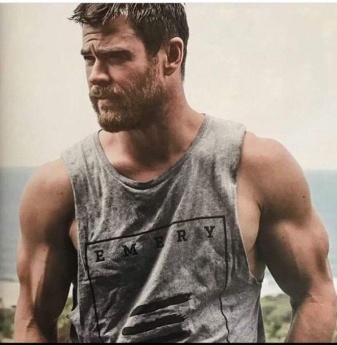 Hemsworth's Bulging Biceps
