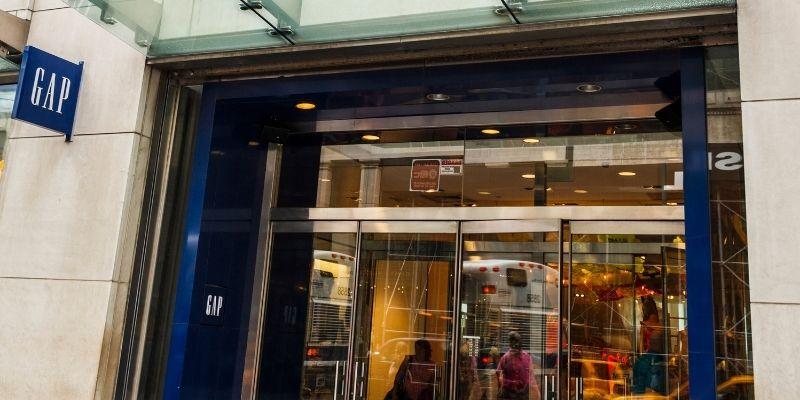 "Gap storefront ""class ="" wp-image-6351"