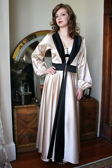 Dollhouse Bettie Robe