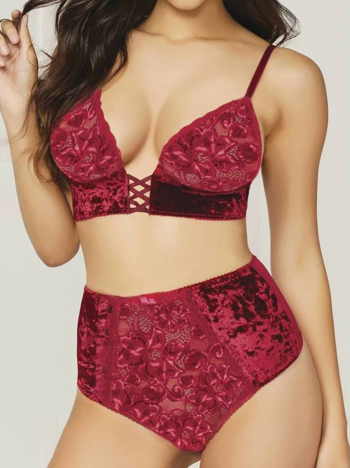 57e5877ea10 20 Red Velvet Lingerie Looks to Keep Cozy this Winter - The Breast Life
