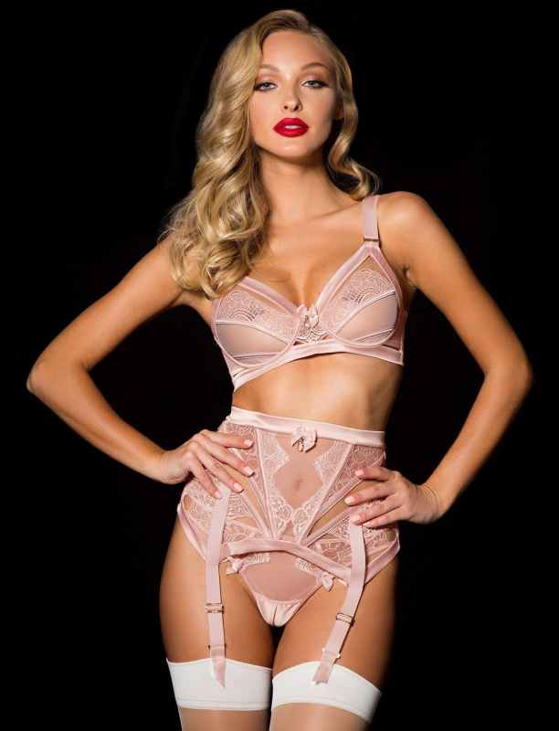 Where to Buy Lingerie Sets With Garter Belts That Won t Break the ... c223a2422