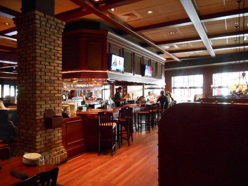 Brewzzi bar