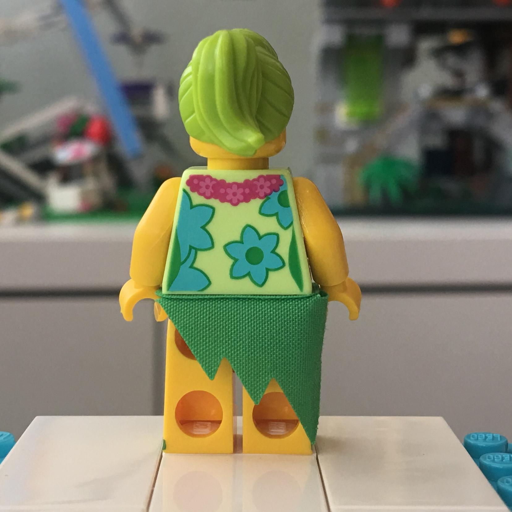 THE LEGO MOVIE 2 71023 LUAU SINGER MINI FIGURE LOOSE  2019