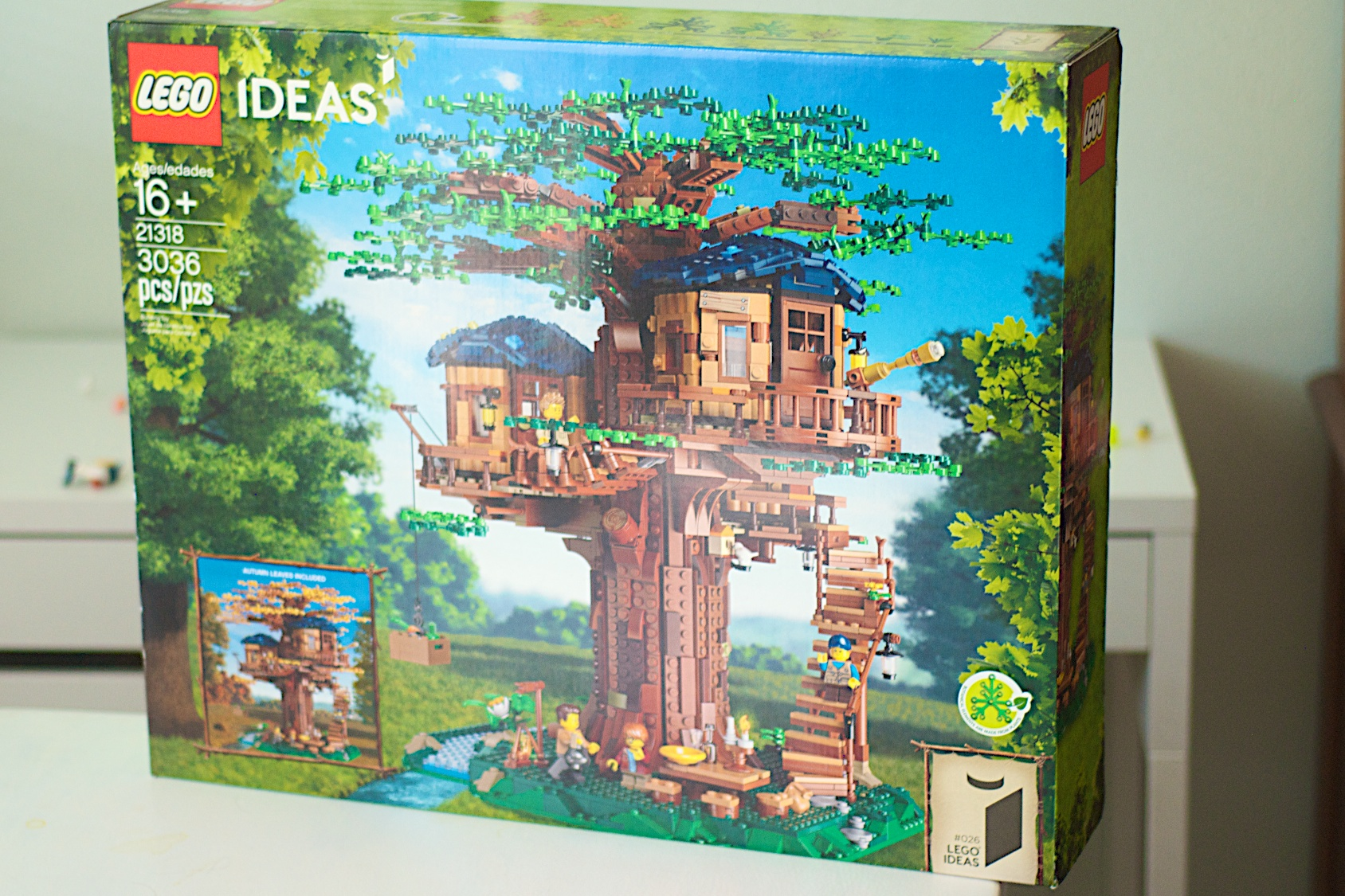 Lego 21318 Treehouse Box Front