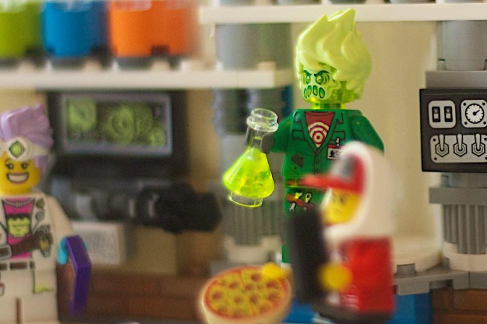 LEGO 70418 JB Ghost Lab Hidden Side 111
