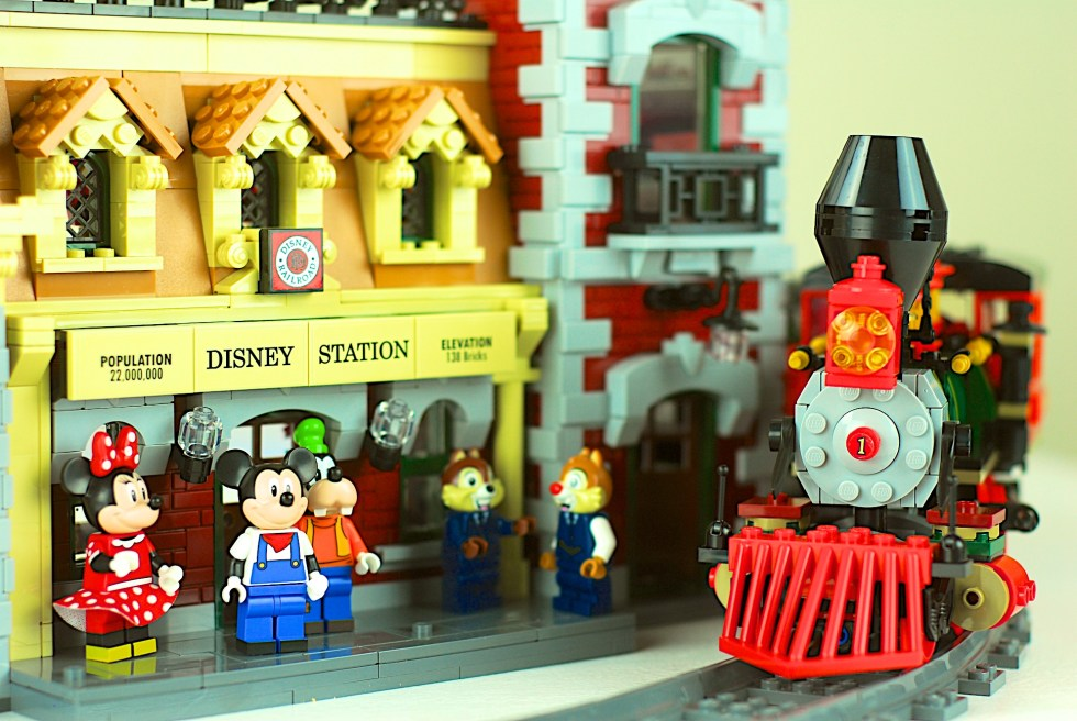 LEGO 71044 Disney Train and Station review