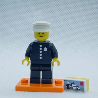 LEGO 71021 CMF Series 18 Minifigures 1978 Classic Police Officer
