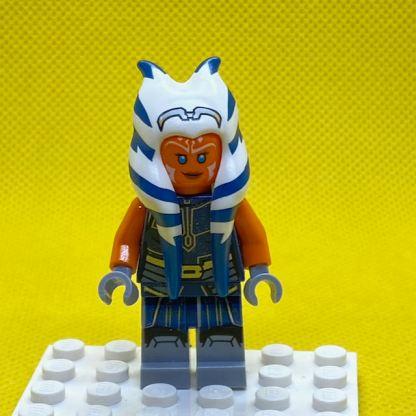 LEGO Star Wars Minifigure Ahsoka Tano (Adult) - Dark Blue Jumpsuit