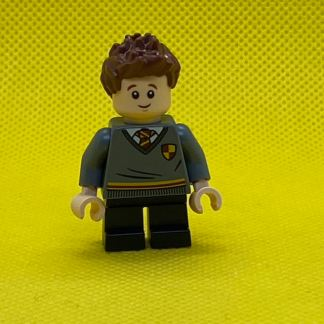 LEGO Minifigure Seamus Finnigan, Gryffindor Sweater with Crest