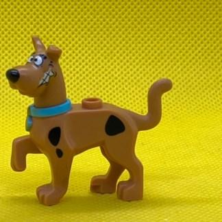 LEGO Dog, Great Dane Scooby-Doo Walking with Medium Azure Collar Pattern