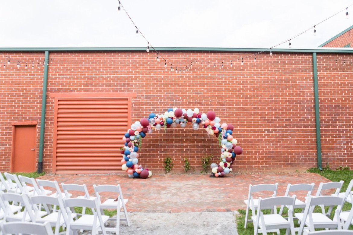 DIY balloon arch for wedding