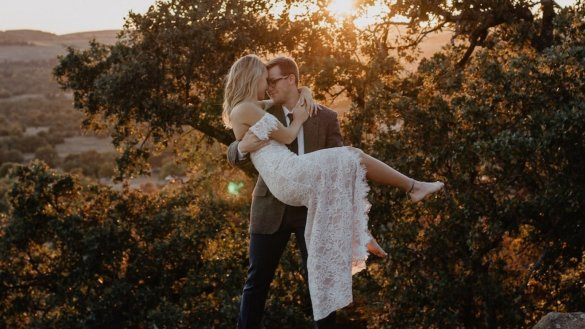 The Simple Bride's Guide to Eloping