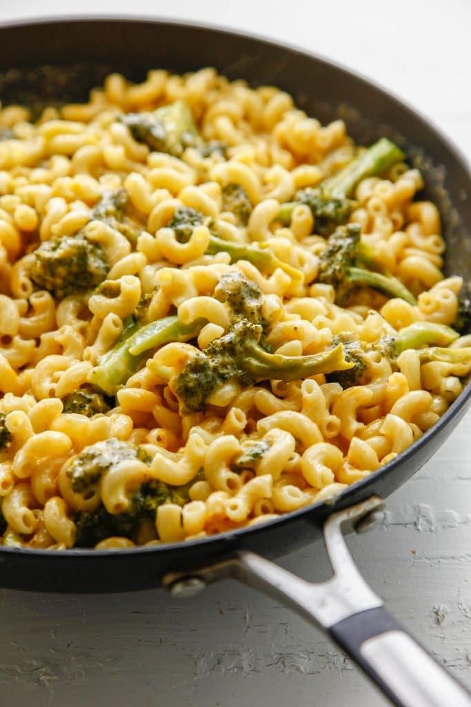 Broccoli Cheddar Mac and Cheese_-4