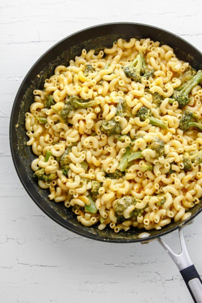 Broccoli Cheddar Mac and Cheese_