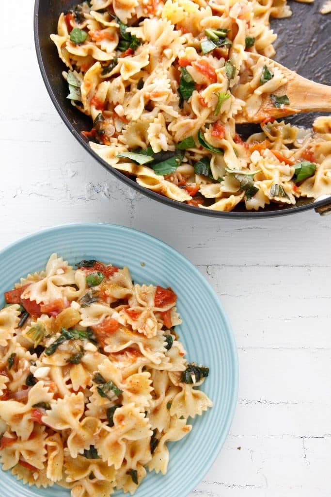 one pan bruschetta pasta_-10