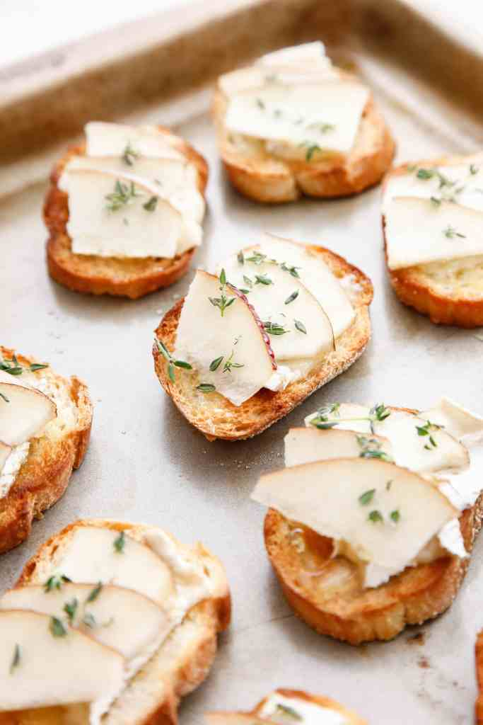 camembert-and-pear-crostini_