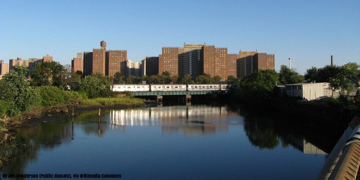 train-crossing-coney-island-creek