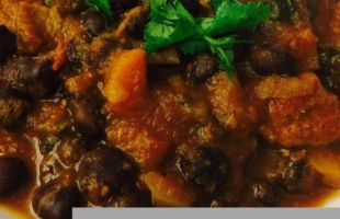 Slow Cooker Chickpea and Chicken Curry