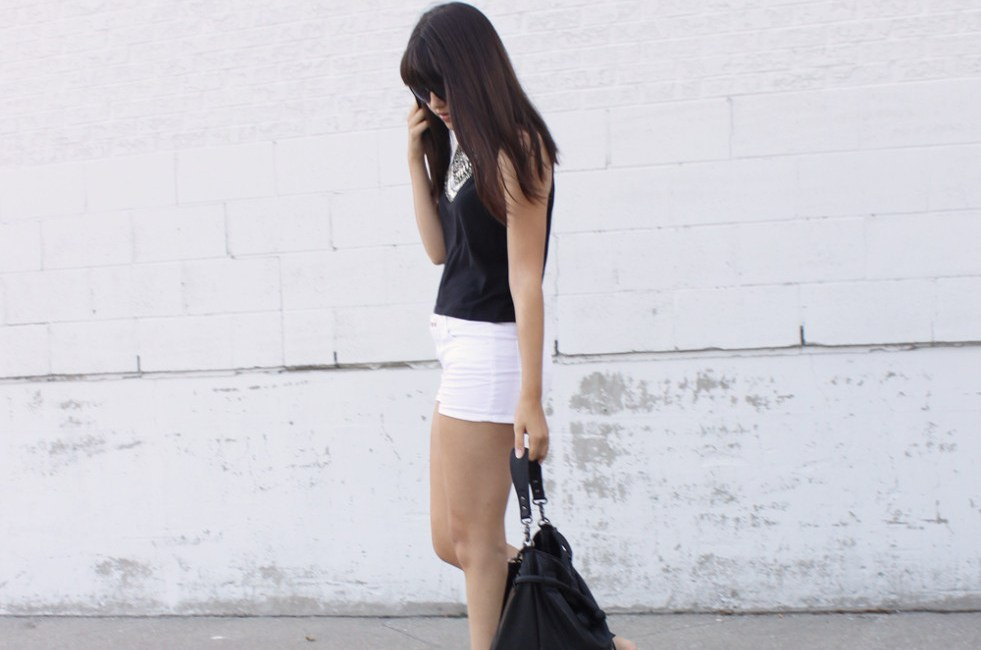 rp_white-shorts-cutout-boots-bucket-bag-981x1024.jpg