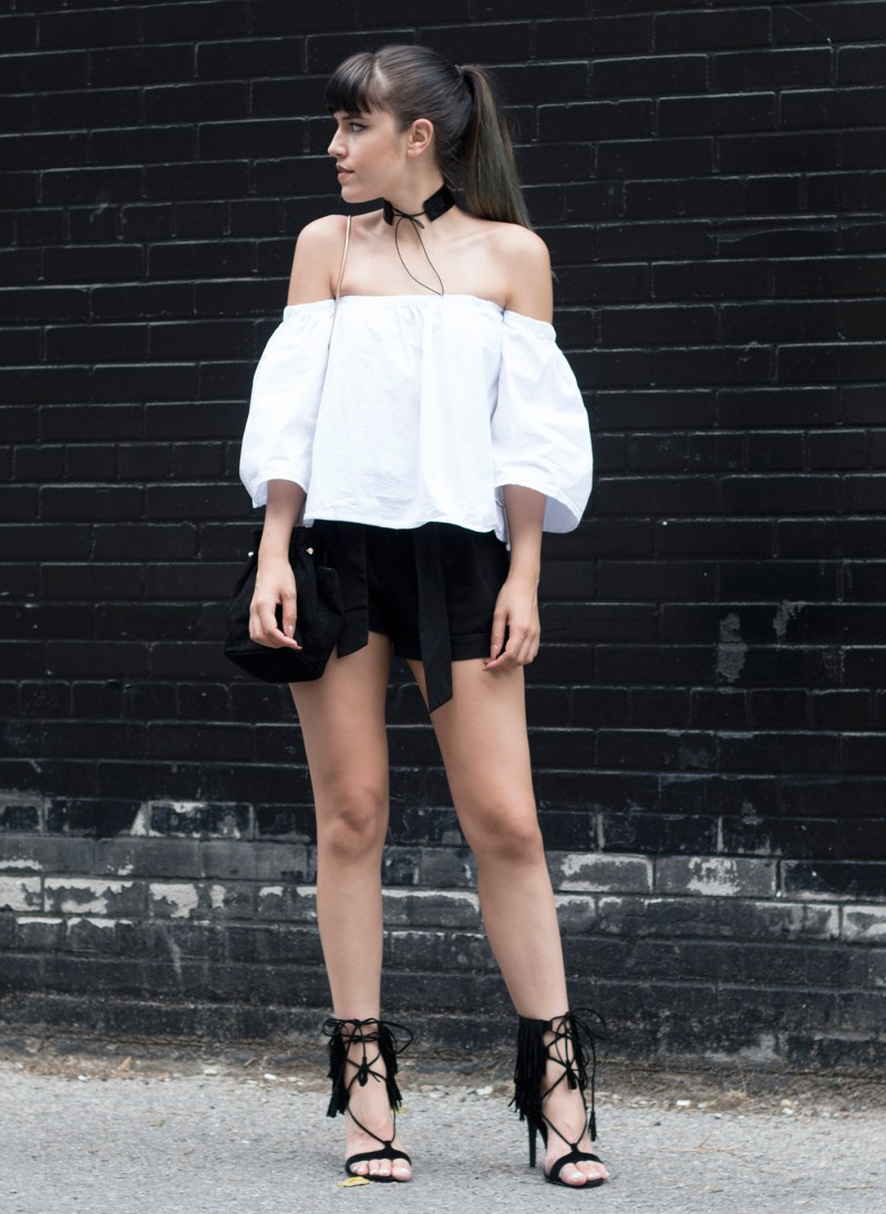 romwe-off-shoulder-top-choker-streetstyle-3-smaller