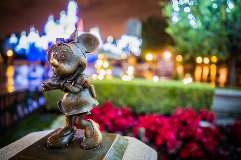 Christmas at Disneyland - Statue