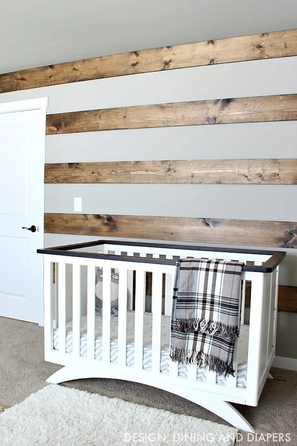 11 Rustic DIY Home Decor Projects     The Budget Decorator Ok  this cute DIY crate and pallet bookcase from Jen at  House of Wood  is  a pretty easy build  very cheap  and we are loving on her styling