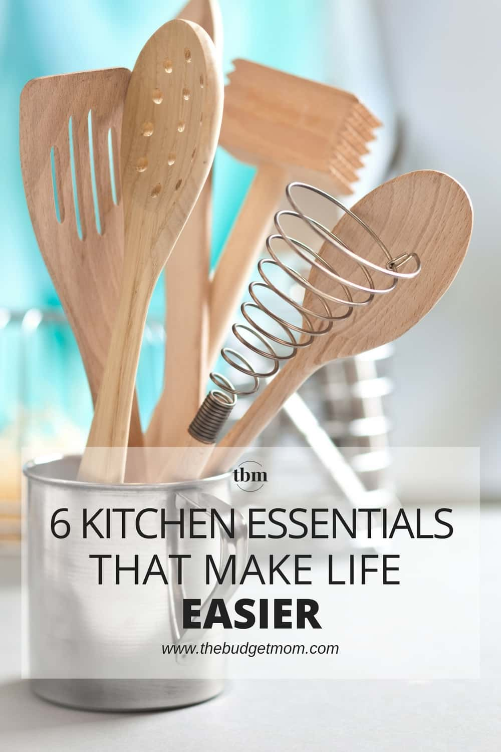 Whether you're an expert chef or a beginner home cook, we all want to save more time in the kitchen. This doesn't always mean searching high and low for 30-minute meals or focusing on prepping the night before. Here are 6 essentials for a beautifully functioning kitchen that will save you time.