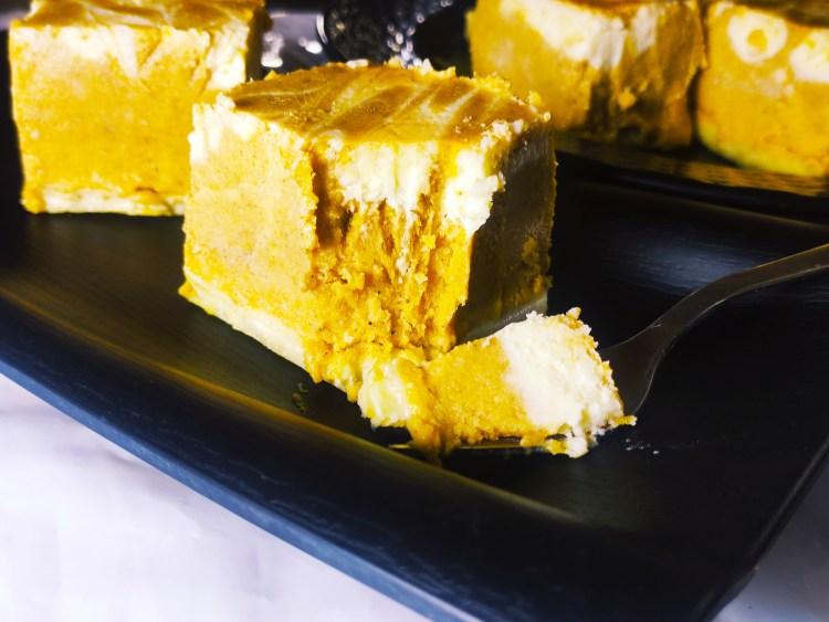 swirled pumpkin cheesecake bars